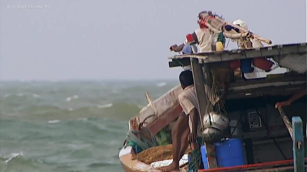 Tamil Survivors Have to Choose Between Hell and High Water (2010)