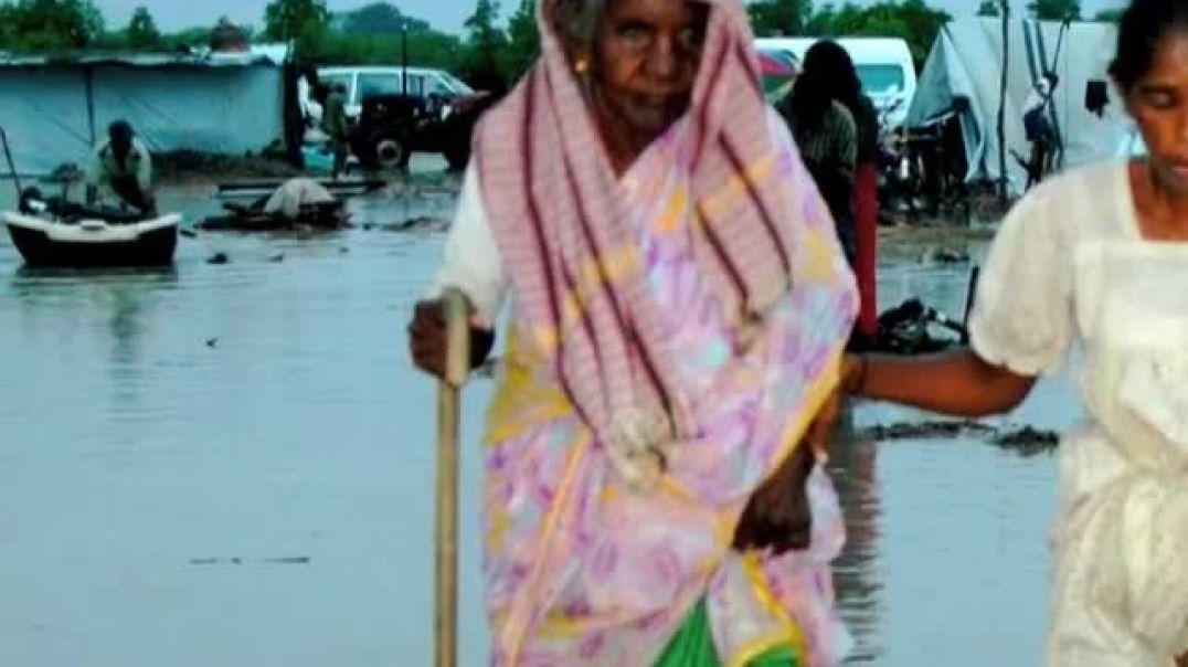 10-3-2009 flooding in the safe zone    mullivaikkal   முள்ளிவாய்க்கால்